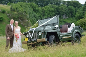 James & Hannah with Wedding Car web